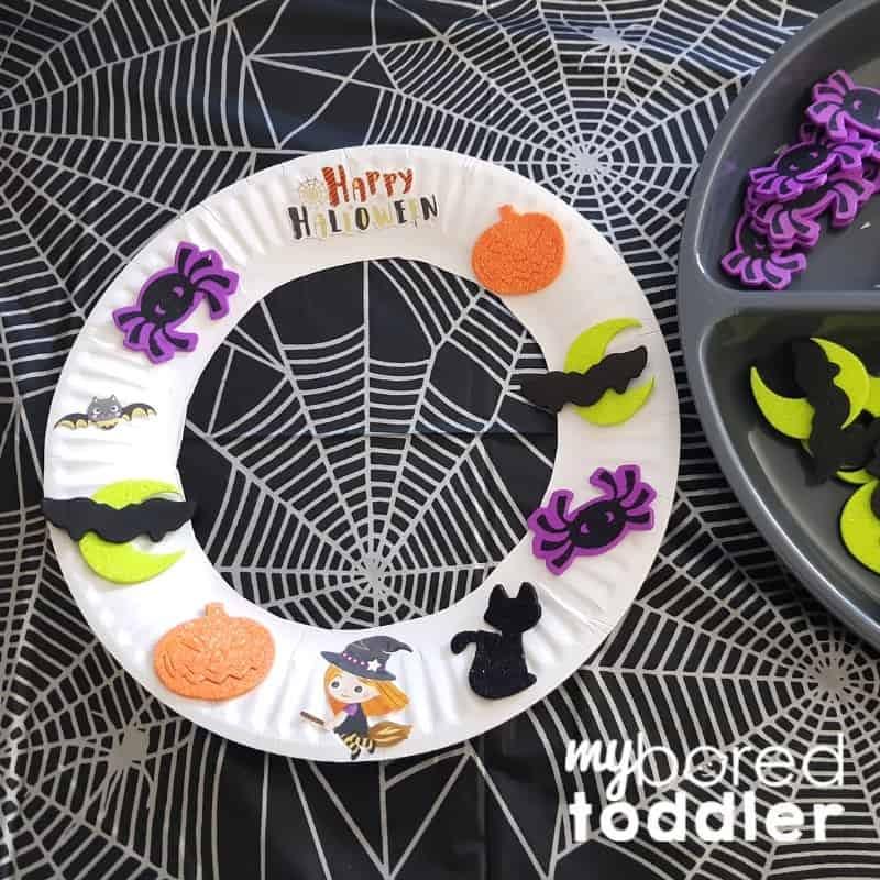 Halloween Sticker Wreath - hallowen craft ideas for toddlers